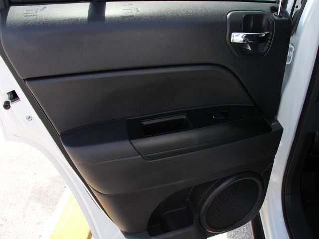 2014 Jeep Compass 4D Sport Utility - 746229 - Image #15