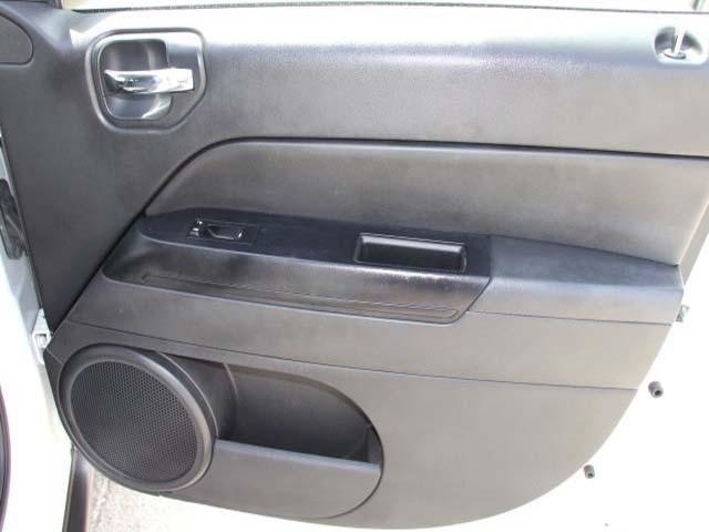 2014 Jeep Compass 4D Sport Utility - 746229 - Image #22