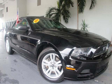 2014 Ford Mustang 2D Convertible - 215756 - Image 1