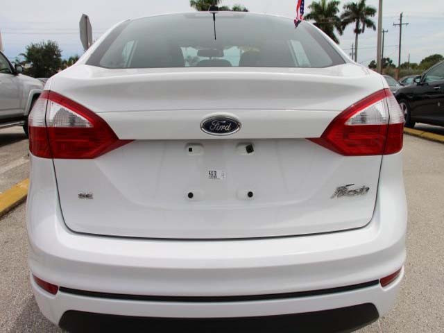 2014 Ford Fiesta 4D Sedan - 154523 - Image #6