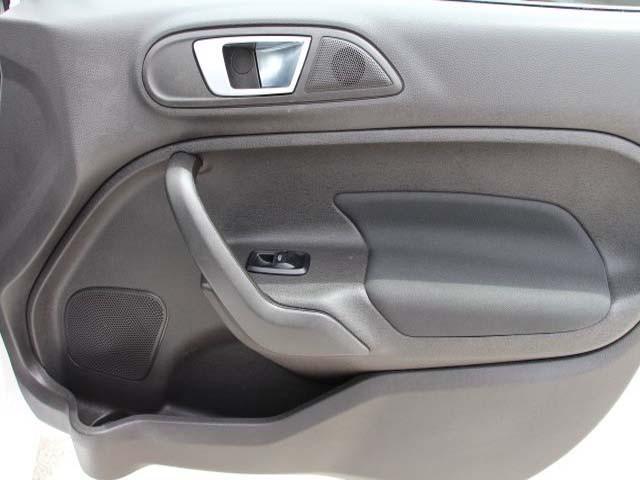 2014 Ford Fiesta 4D Sedan - 154523 - Image #23