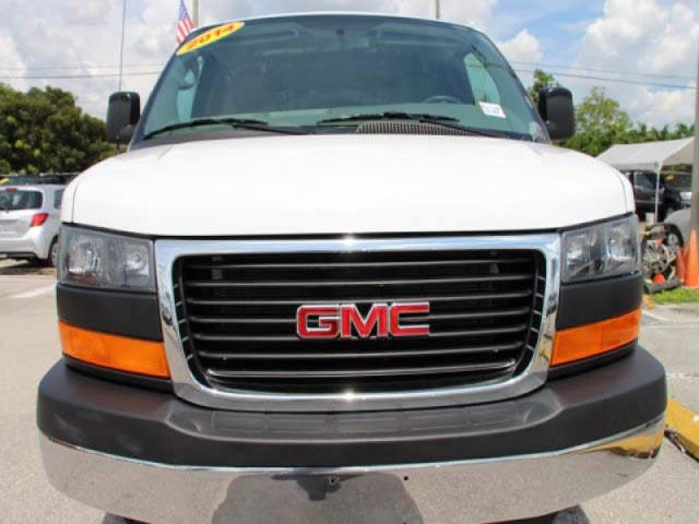 2014 GMC Savana G2500 HD 3D Cargo Van  - 910049 - Image #2