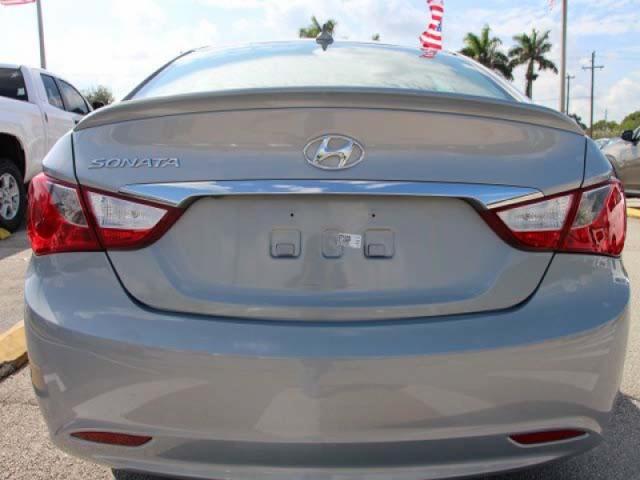 2015 Hyundai Sonata  4D Sedan  - 744117 - Image #6