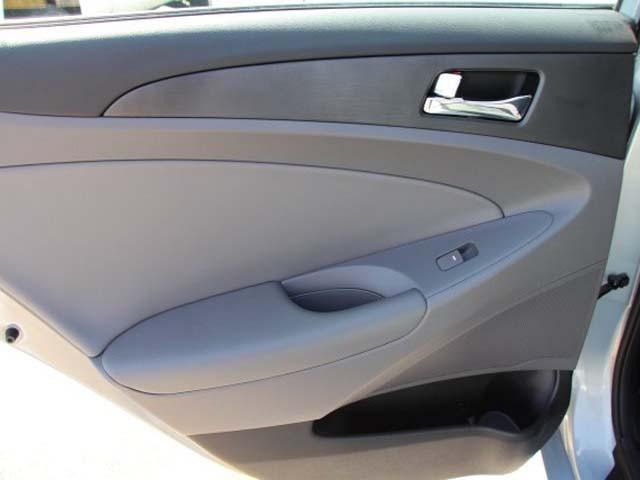 2013 Hyundai Sonata 4D Sedan - 131144 - Image #17