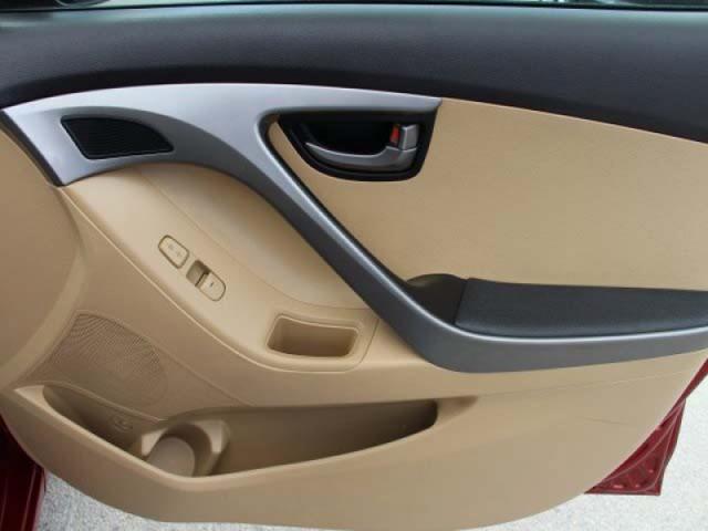 2013 Hyundai Elantra  4D Sedan  - 265460 - Image #22