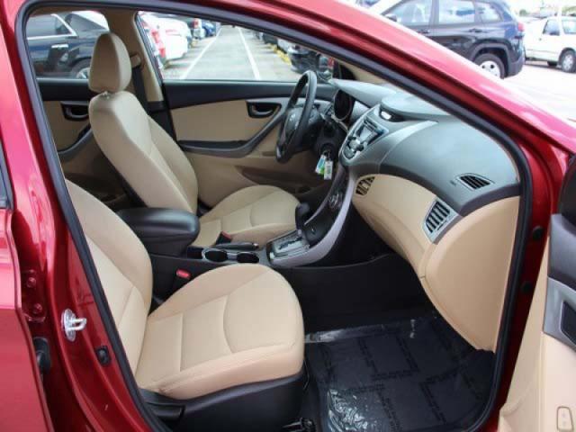 2013 Hyundai Elantra  4D Sedan  - 265460 - Image #23