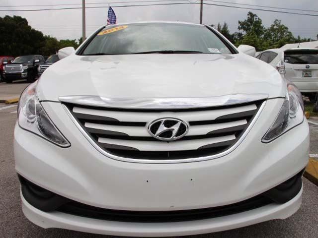 2014 Hyundai Sonata 4D Sedan - 859082 - Image #2