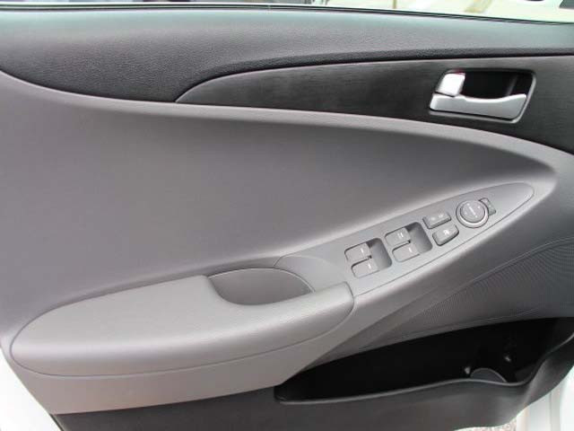 2014 Hyundai Sonata 4D Sedan - 859082 - Image #10