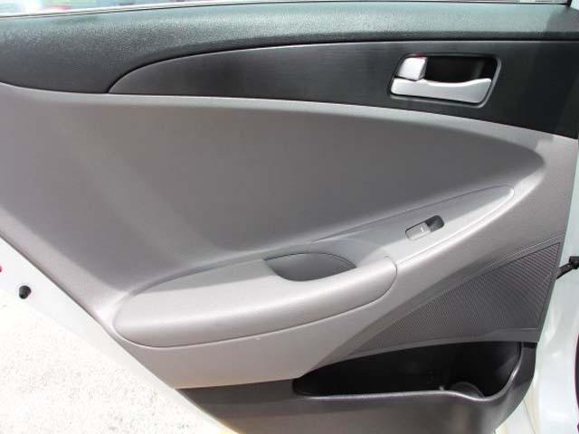 2014 Hyundai Sonata 4D Sedan - 859082 - Image #17