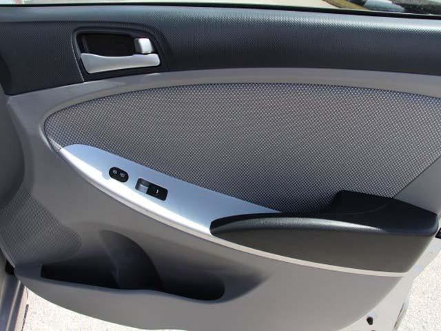 2014 Hyundai Accent 4D Sedan - 672603 - Image #22